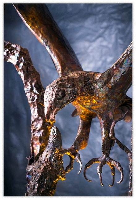 artscapelighting-copper-art-Eagle with Lizard close up